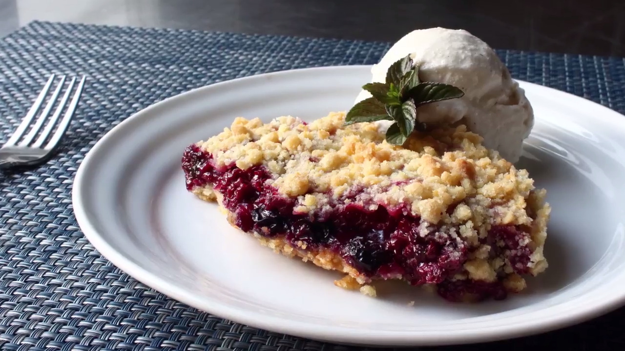 Ultimate Berry Crumble Video