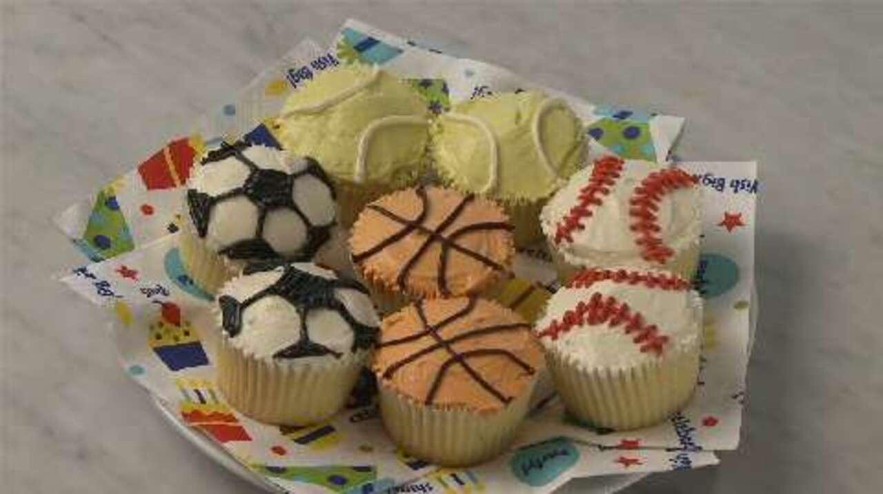 sports ball cupcakes video
