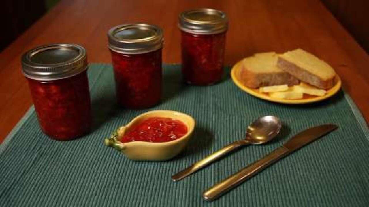 how to make strawberry freezer jam video