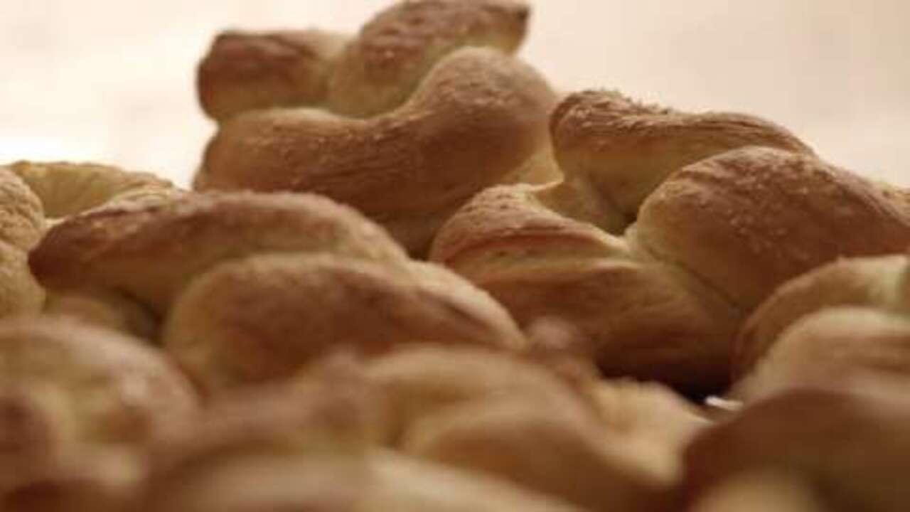 buttery soft pretzels video