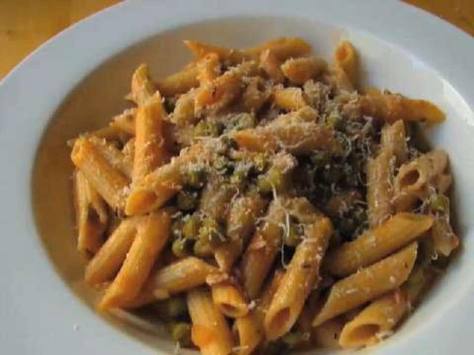 recipe: tuna alfredo with penne pasta [36]