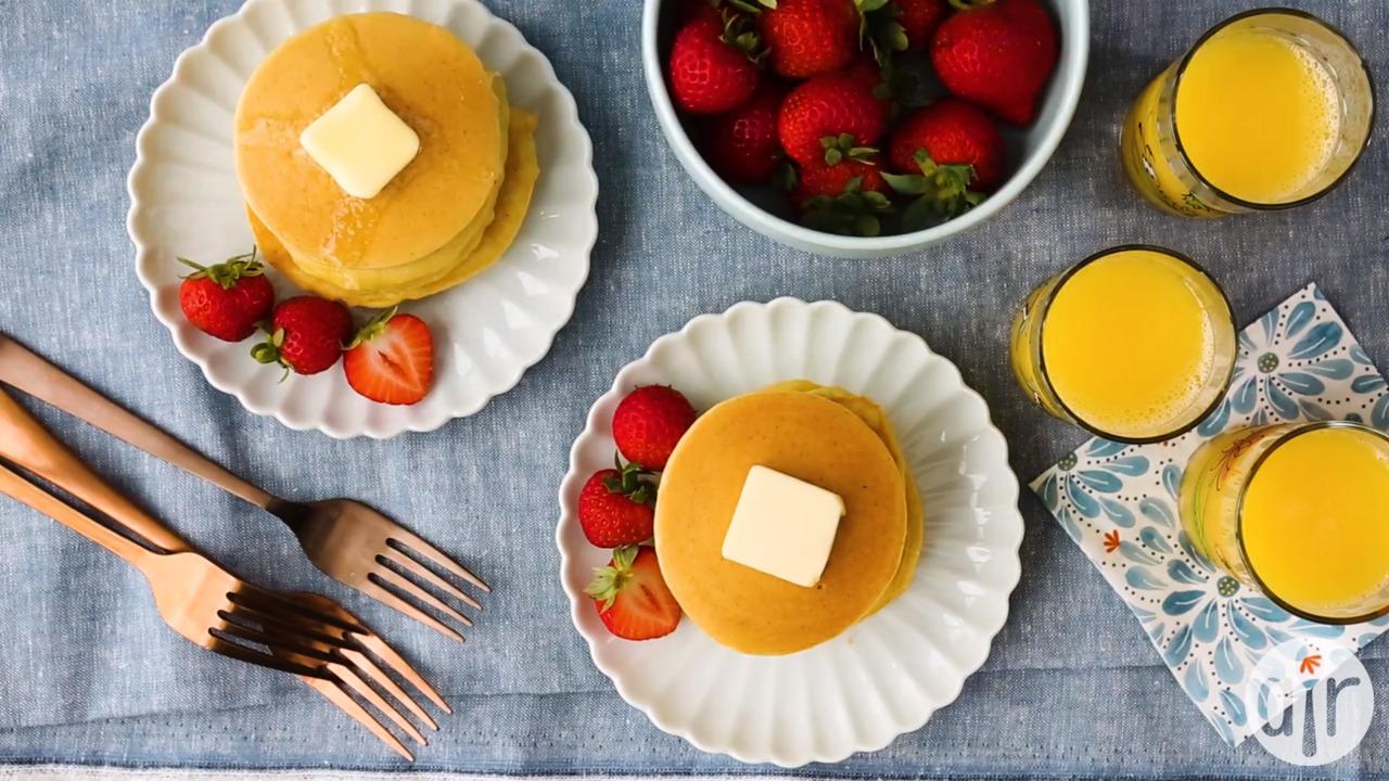 quick almond flour pancakes video