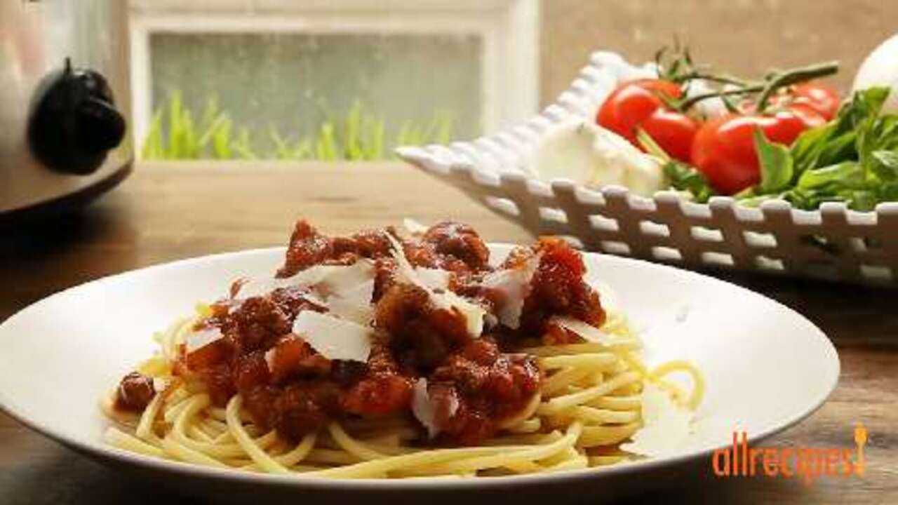meat lovers slow cooker spaghetti sauce video