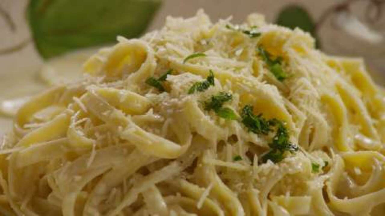 quick and easy alfredo sauce video