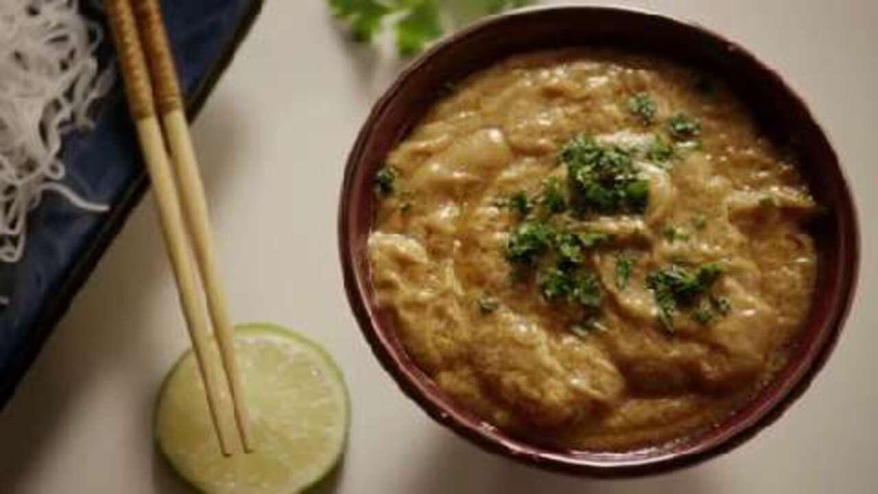 the best thai peanut sauce video
