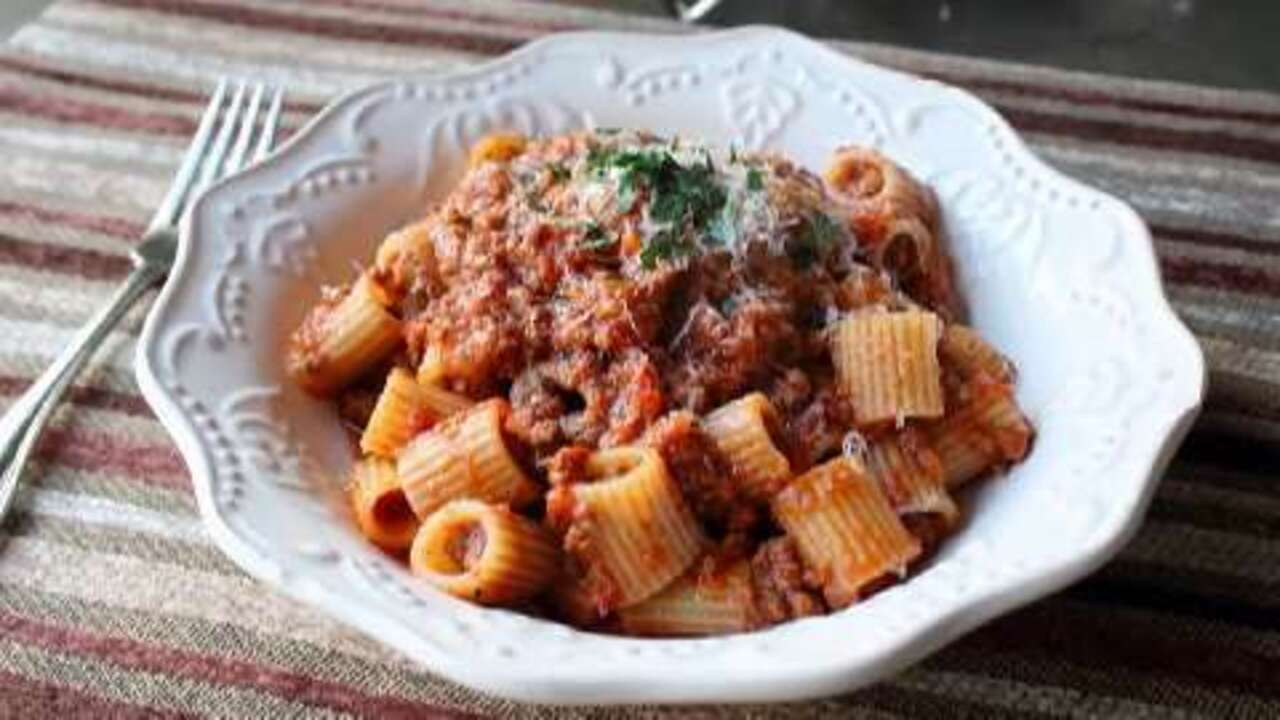 how to make bolognese sauce video