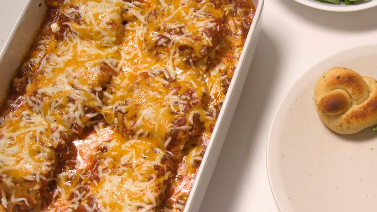 beefy lasagna roll ups video