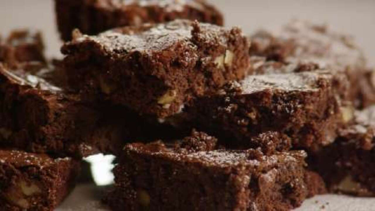 Low Fat Chocolate Cake Recipes From Scratch: MMMMM... Brownies Video