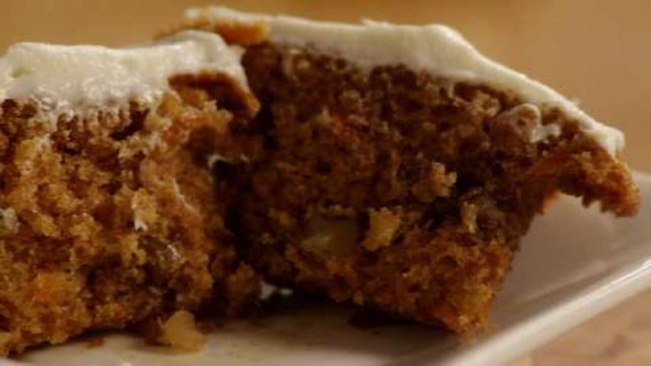Low Fat Chocolate Cake Recipes From Scratch: Carrot Cupcakes With White Chocolate Icing Video