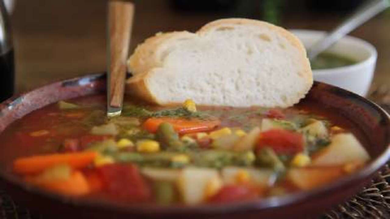 quick and easy vegetable soup video