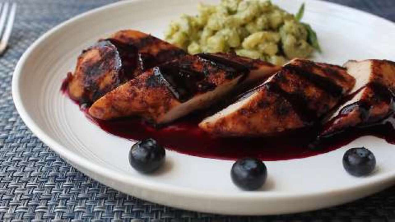 red white and blueberry grilled chicken video