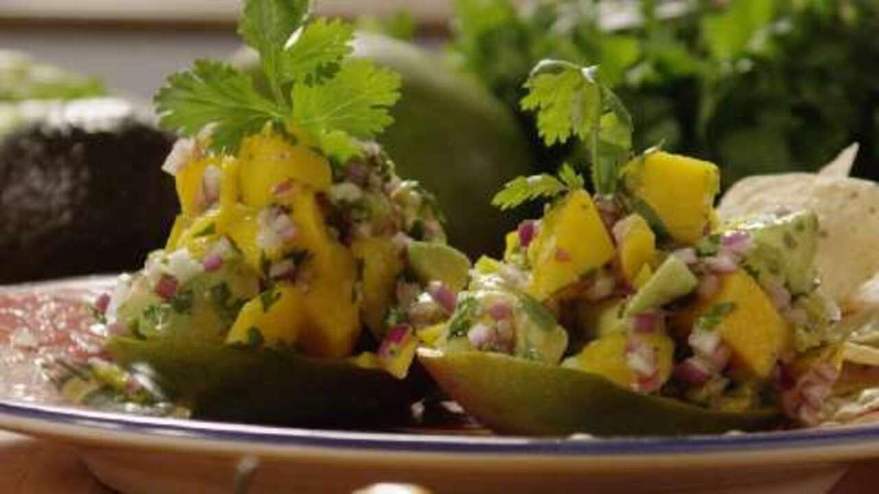 avocado mango salsa video