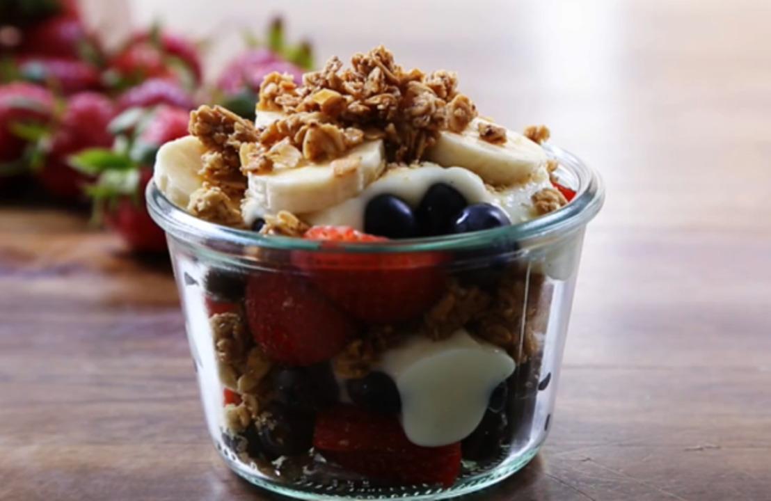 summer berry parfait with yogurt and granola video