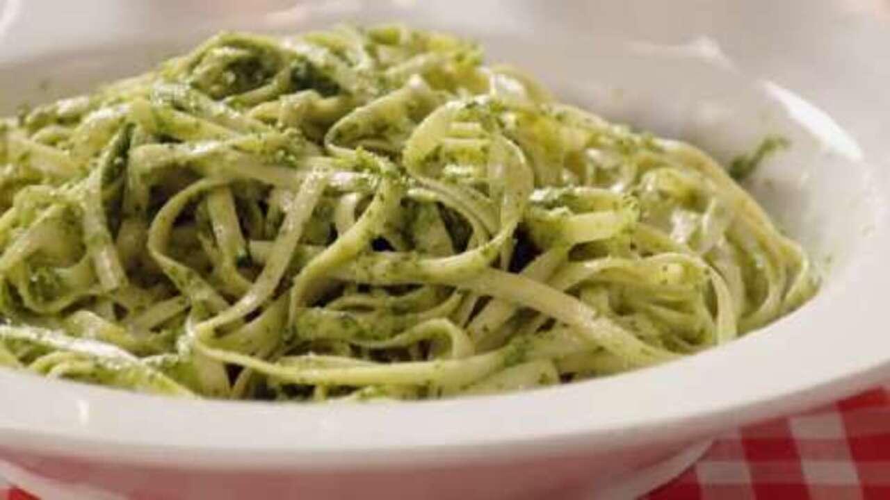 spinach basil pesto video
