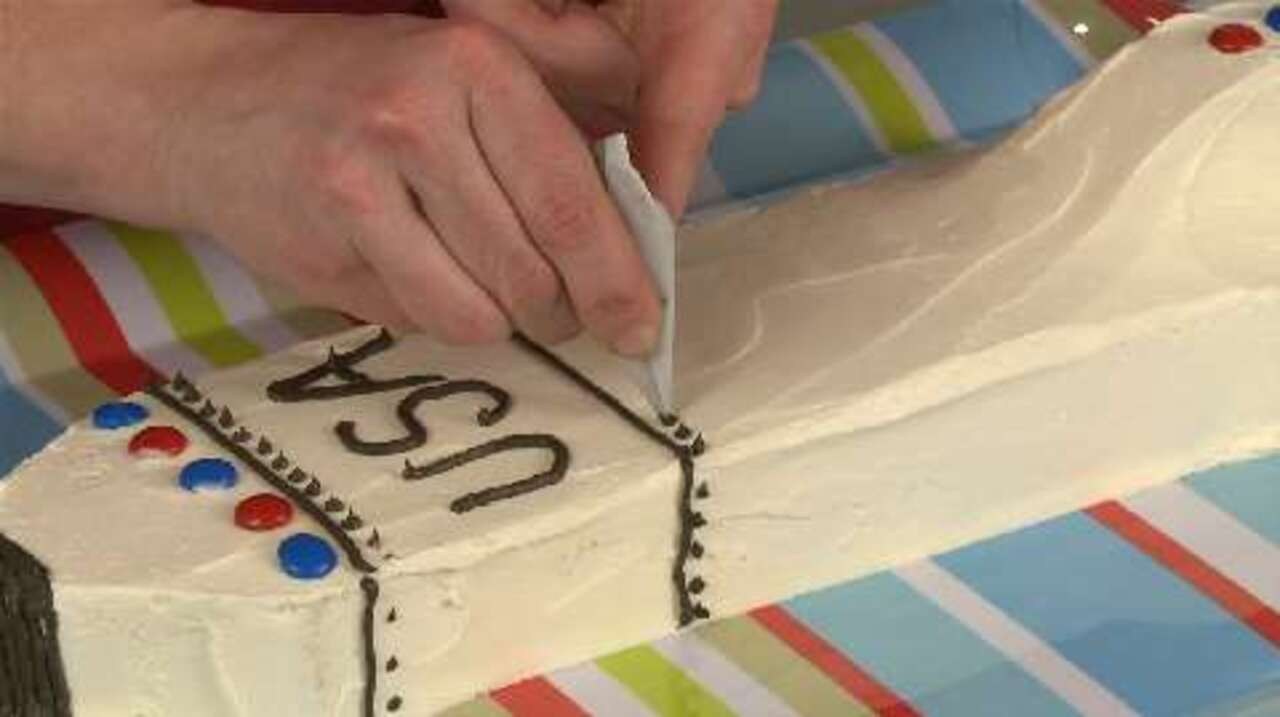 how to make a space shuttle cake video