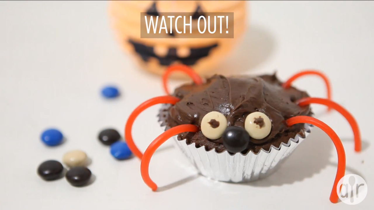 halloween inspired cupcakes video