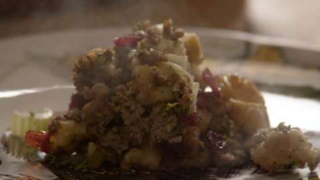 sausage apple and cranberry stuffing video