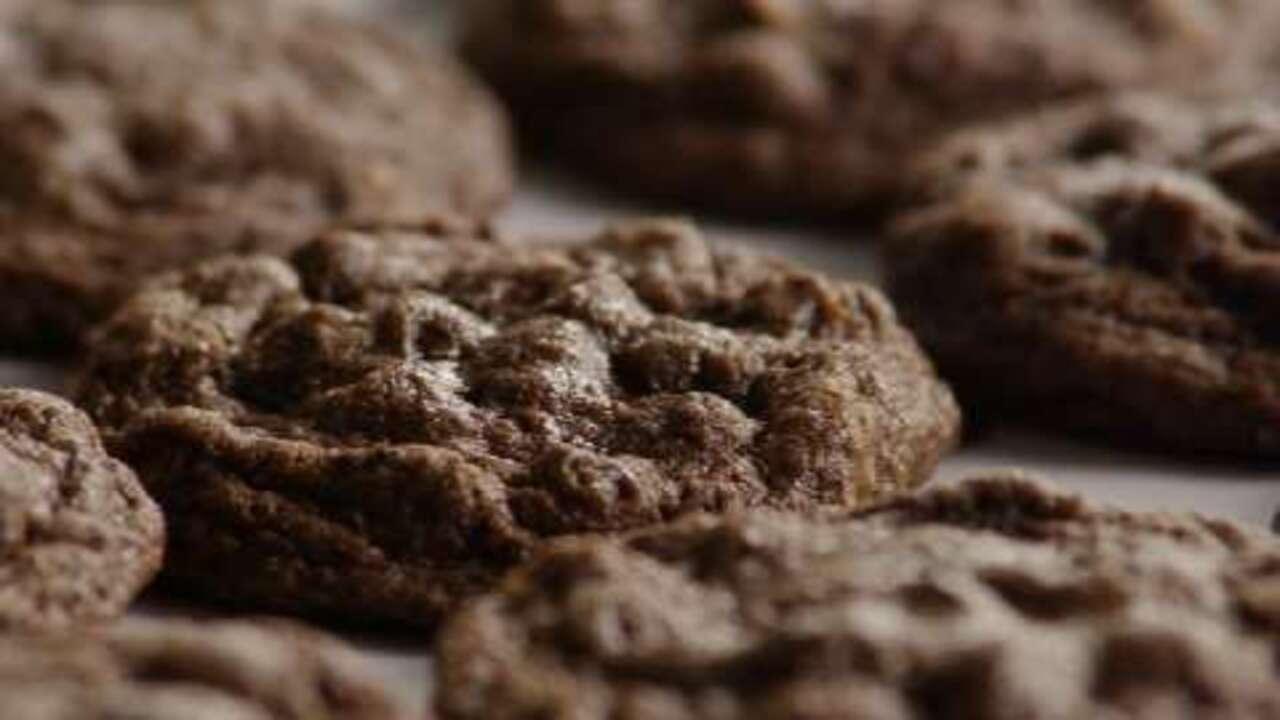 chocolate chocolate chip cookies i video