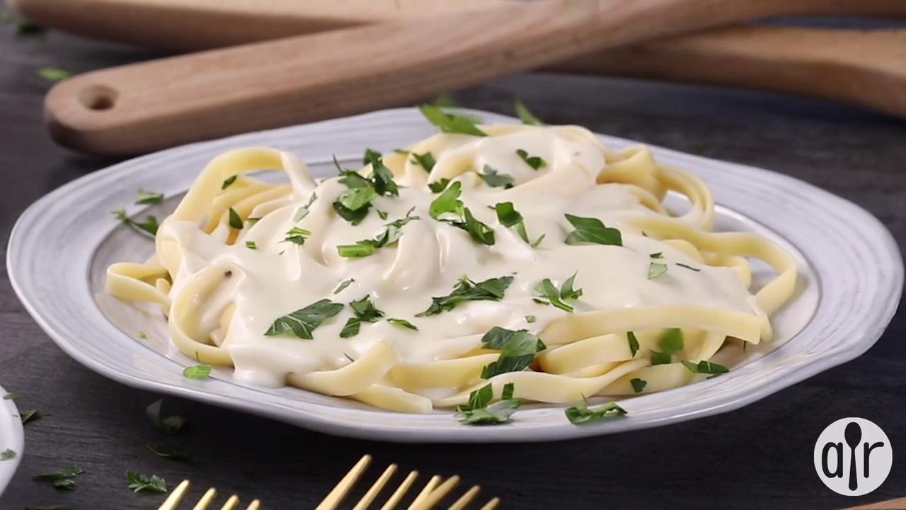 how to make alfredo sauce videos
