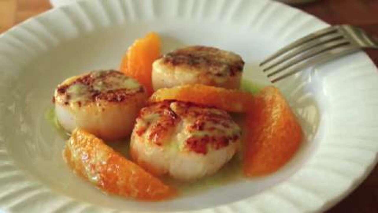 seared scallops with jalapeno vinaigrette video