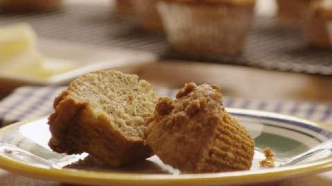 banana crumb muffins video