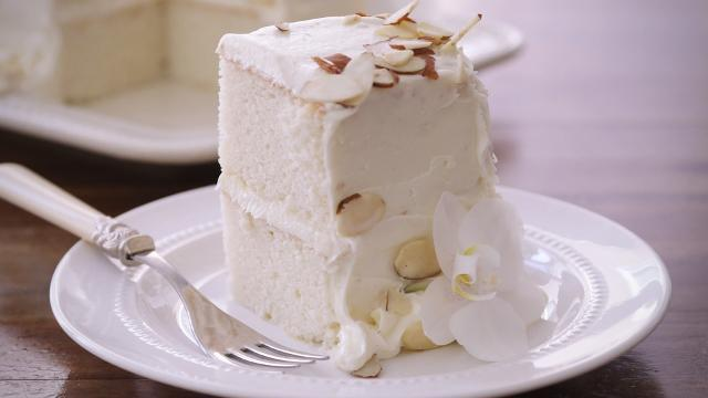 Wedding Cake Recipe.White Almond Wedding Cake