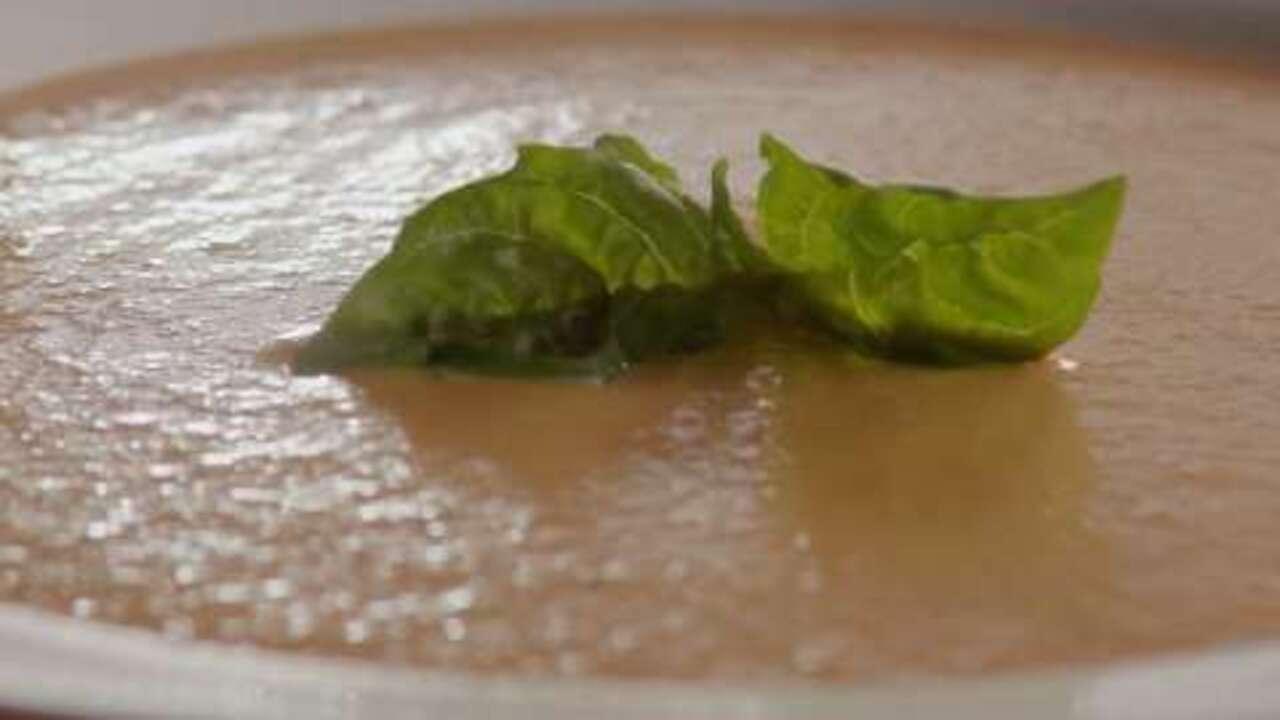 rich and creamy tomato basil soup video