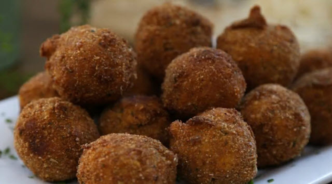 fried mac and cheese balls video