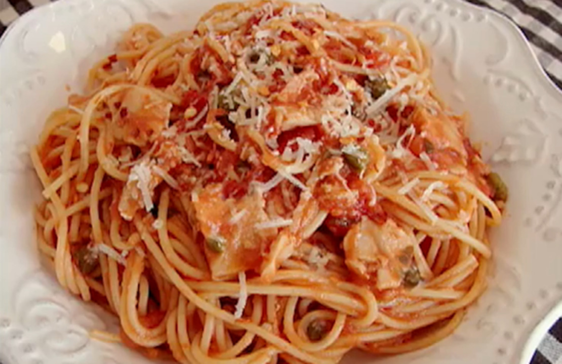 spaghetti with red clam sauce video