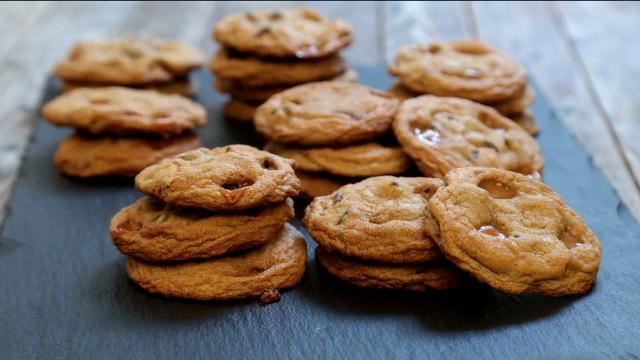 Salted Caramel Chocolate Chip Cookies Video
