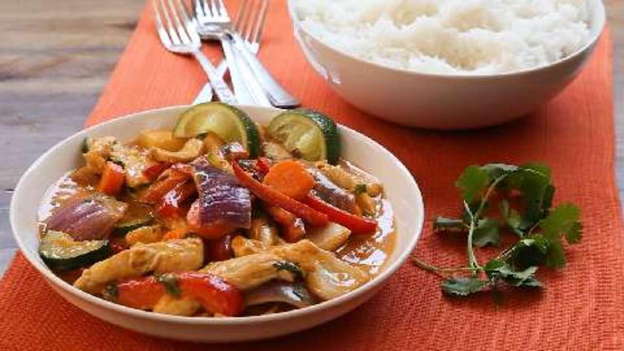 thai red chicken curry video