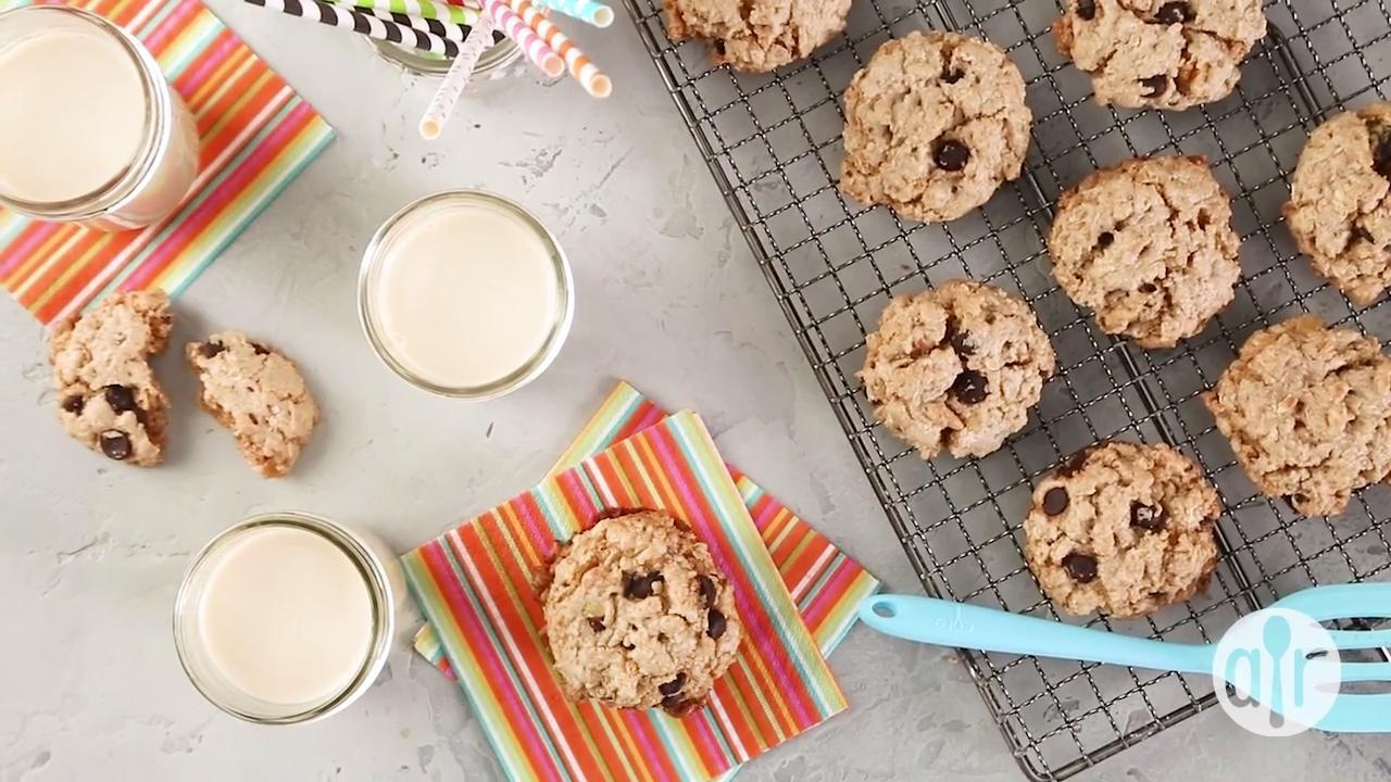 vegan chocolate chip oatmeal and nut cookies video