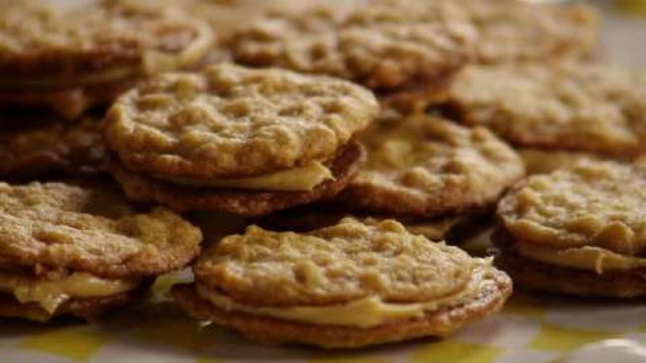 Oatmeal Peanut Butter Cookies III Video