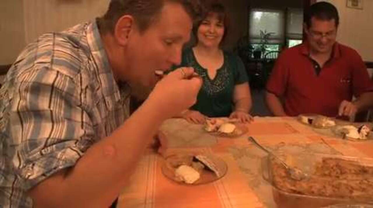 cookie crusted peach cobbler video