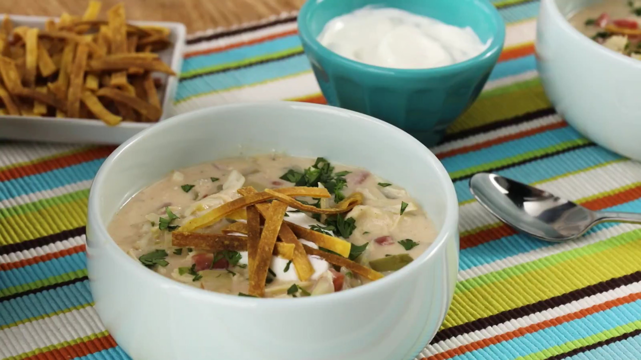 slow cooker creamy chicken taco soup video