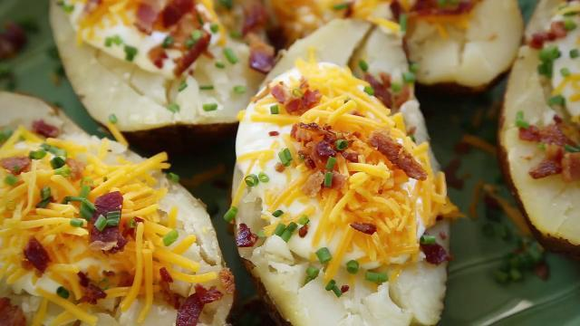 slow cooker baked potatoes video
