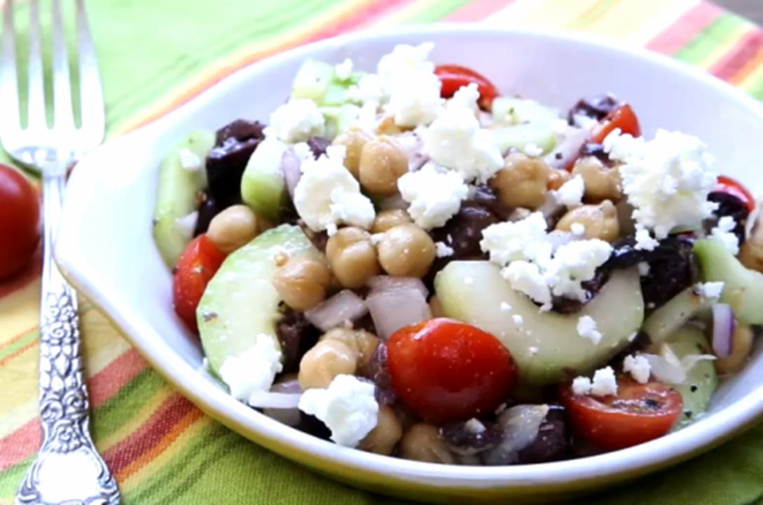 greek garbanzo bean salad video