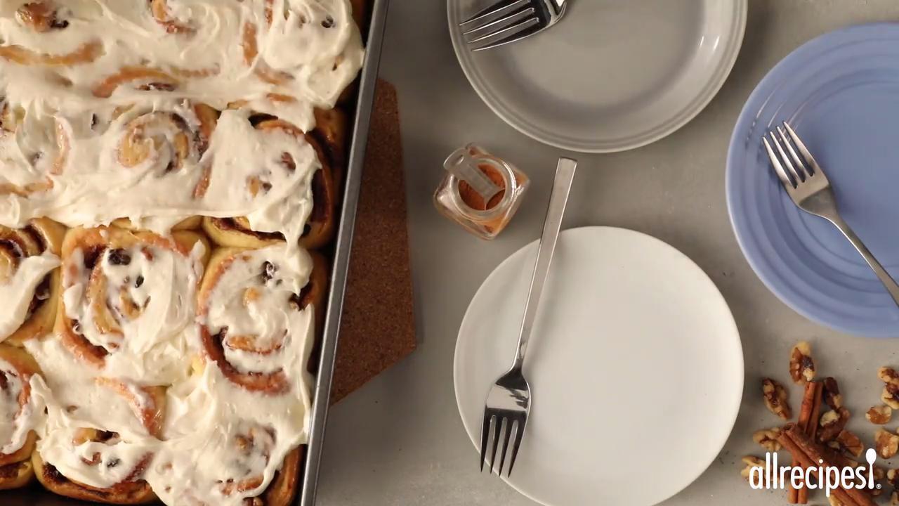 soft moist and gooey cinnamon buns video