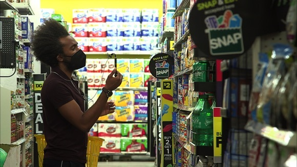 How to Shop Strategically at a Dollar Store