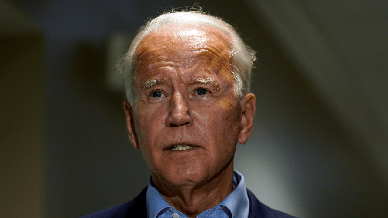 Biden says 2020 winner should pick Ginsburg replacement, citing 2016