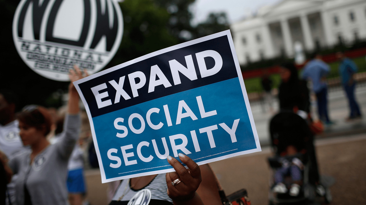 Why isn't Congress motivated to save Social Security?