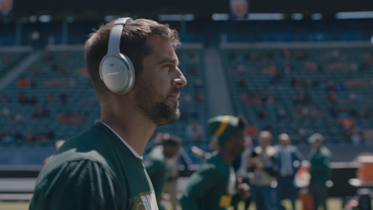 5c871fc6a21 Get Closer to the NFL | Bose