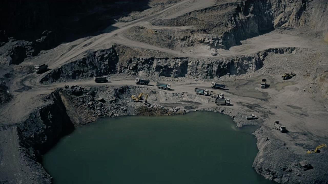 Bajas Prolongadas en la Producción Aumentarían Riesgos Crediticios en el Sector de Metales y Minería de Latam