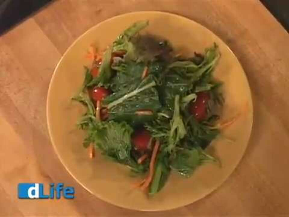 What Is a Sweet and Sour Salad Recipe for People With Diabetes?