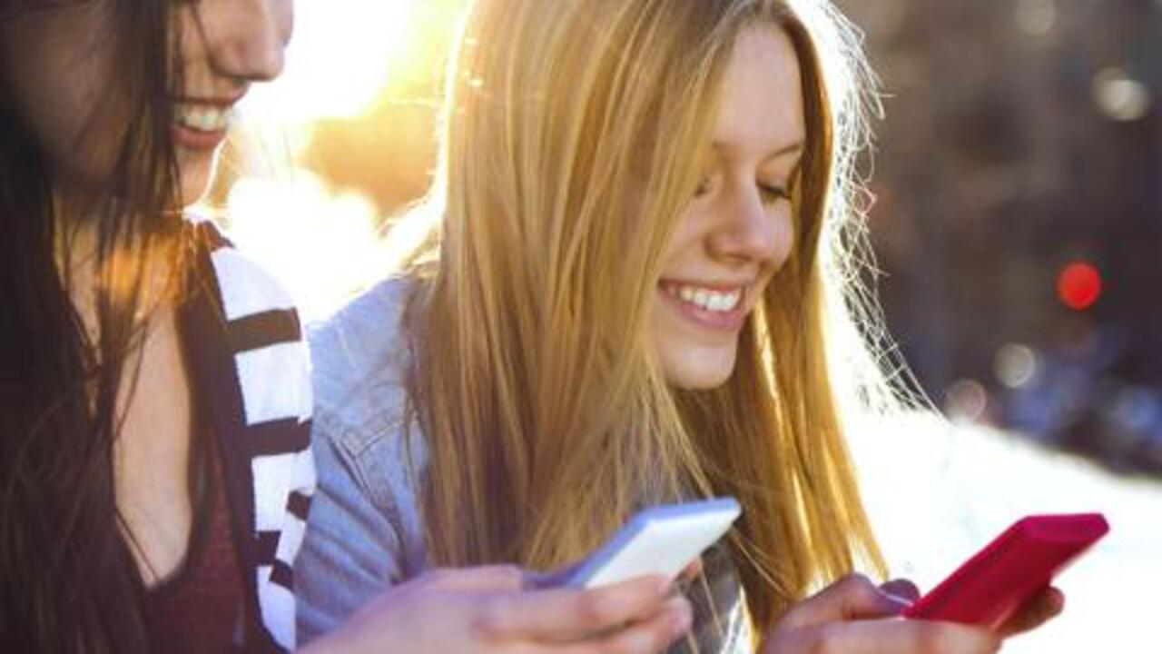 Is Social Media a Health Risk for Your Kids?
