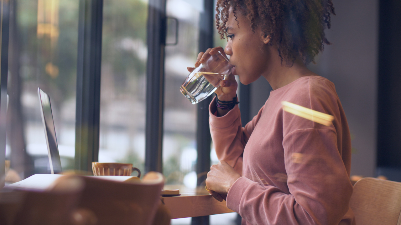 Dieting? Drink Water to Lose Weight