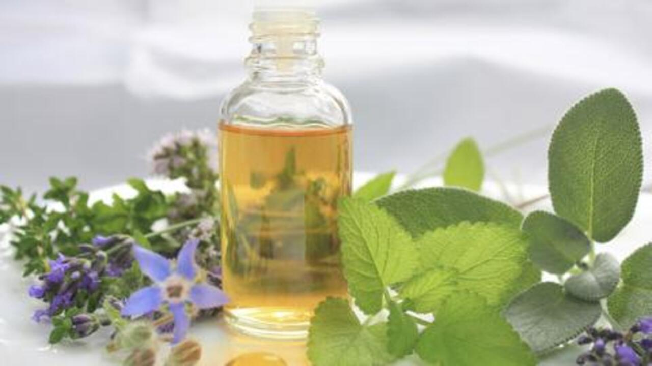 4 Things to Know Before Taking Herbal Remedies