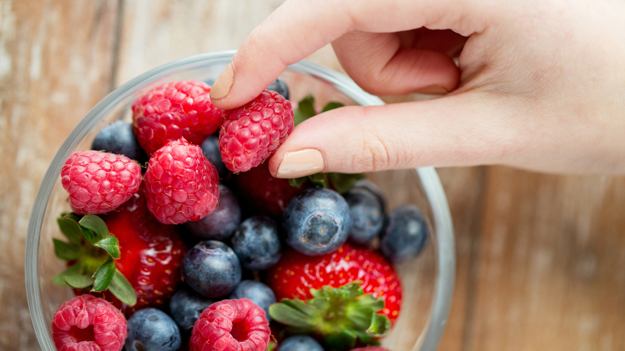 How Noshing on Berries Can Improve Your Brain Health