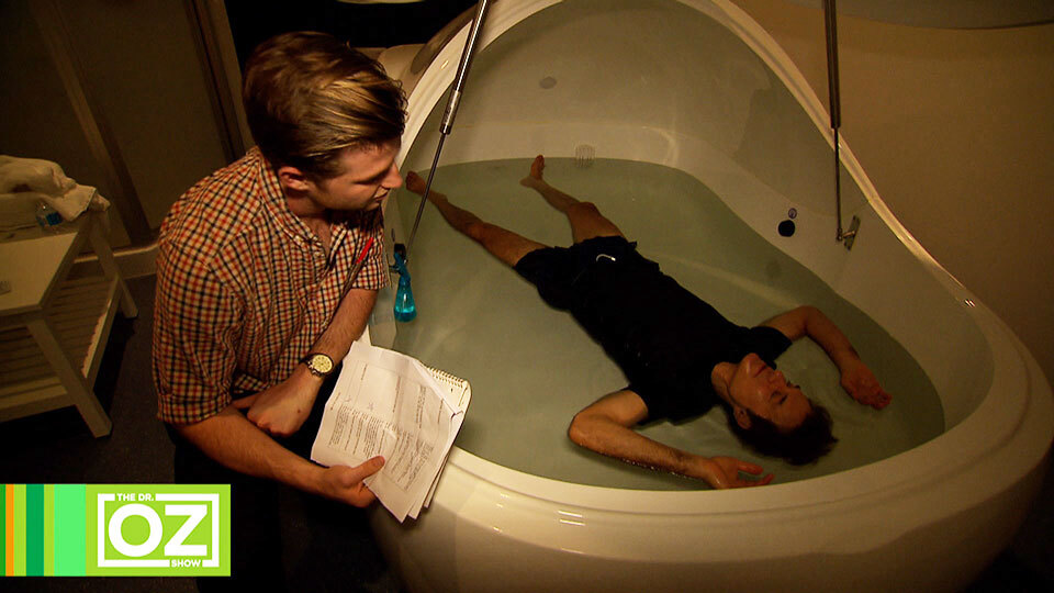 Dr. Oz Relaxes Using Flotation Therapy