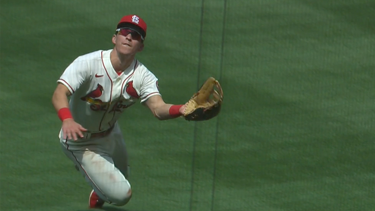 Tommy Edman makes a catch to end the inning.